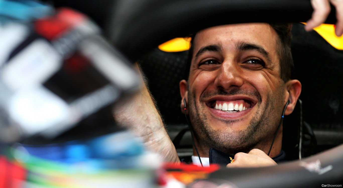 Ricciardo Signs Onto Renault F1, Departs Red Bull